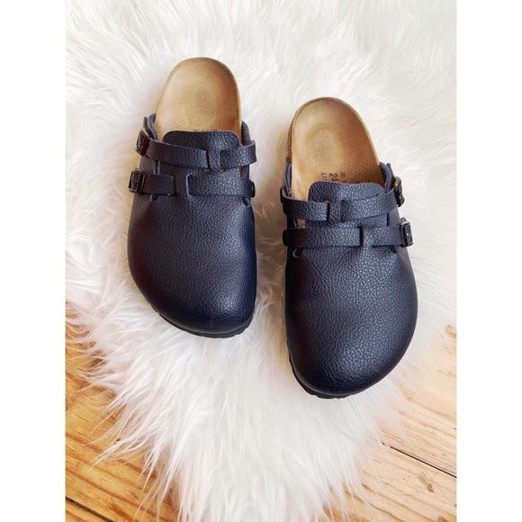 9ba23d0053c2 Birkenstock Shoes - BIRKIS • Birkenstock • Leather Clogs in Navy